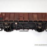 """Widok podwozia ukończonego modelu wagonu """"Dresden"""""""